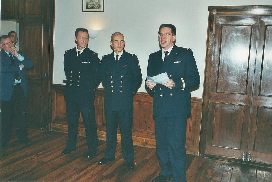 [Les traditions dans la Marine] LES POTS DE DÉBARQUEMENTS - Page 2 Img28310