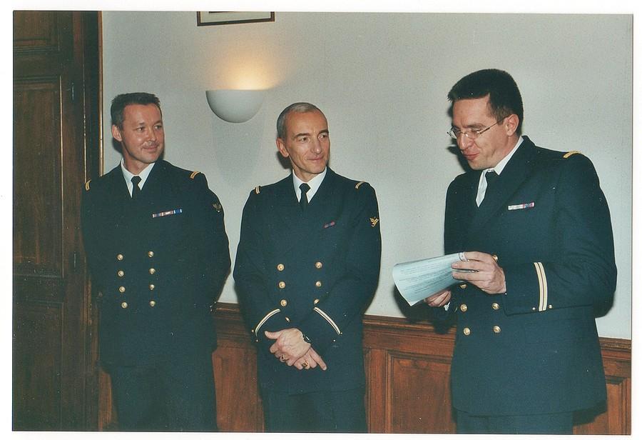 [Les traditions dans la Marine] LES POTS DE DÉBARQUEMENTS - Page 2 Img28410