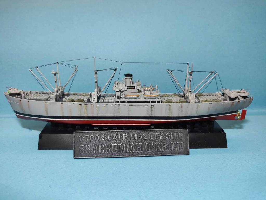 LIBERTY SHIP Jeremiah O'Brien 1/700 TRUMPETER Img_2031