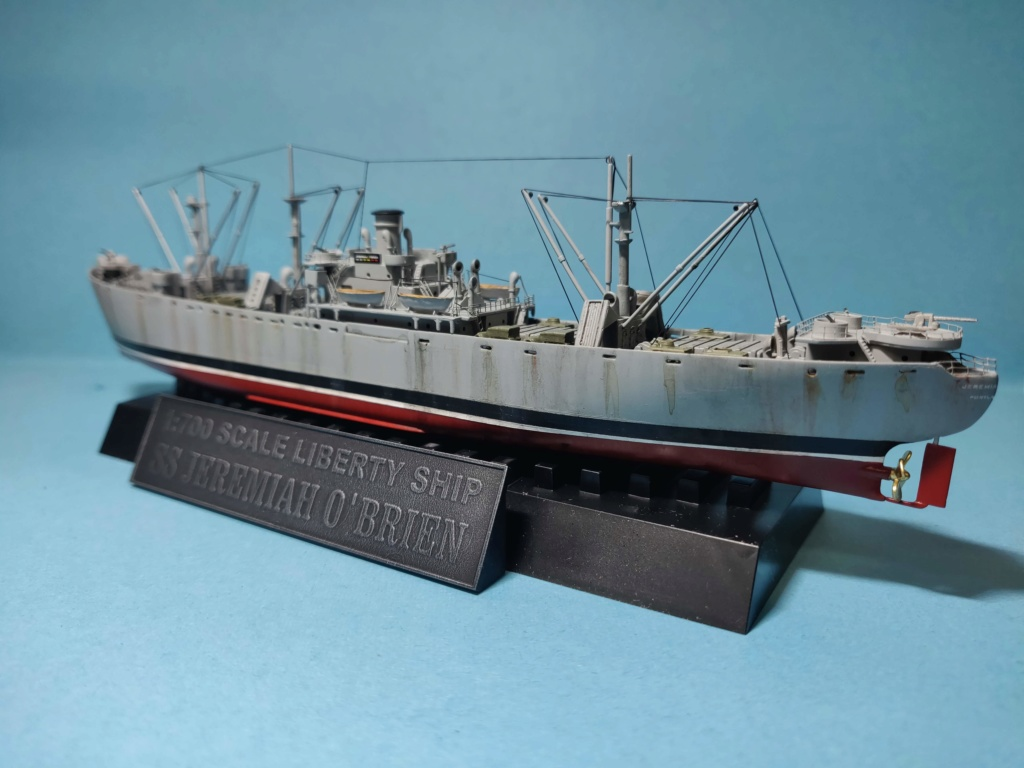 LIBERTY SHIP Jeremiah O'Brien 1/700 TRUMPETER Img_2032
