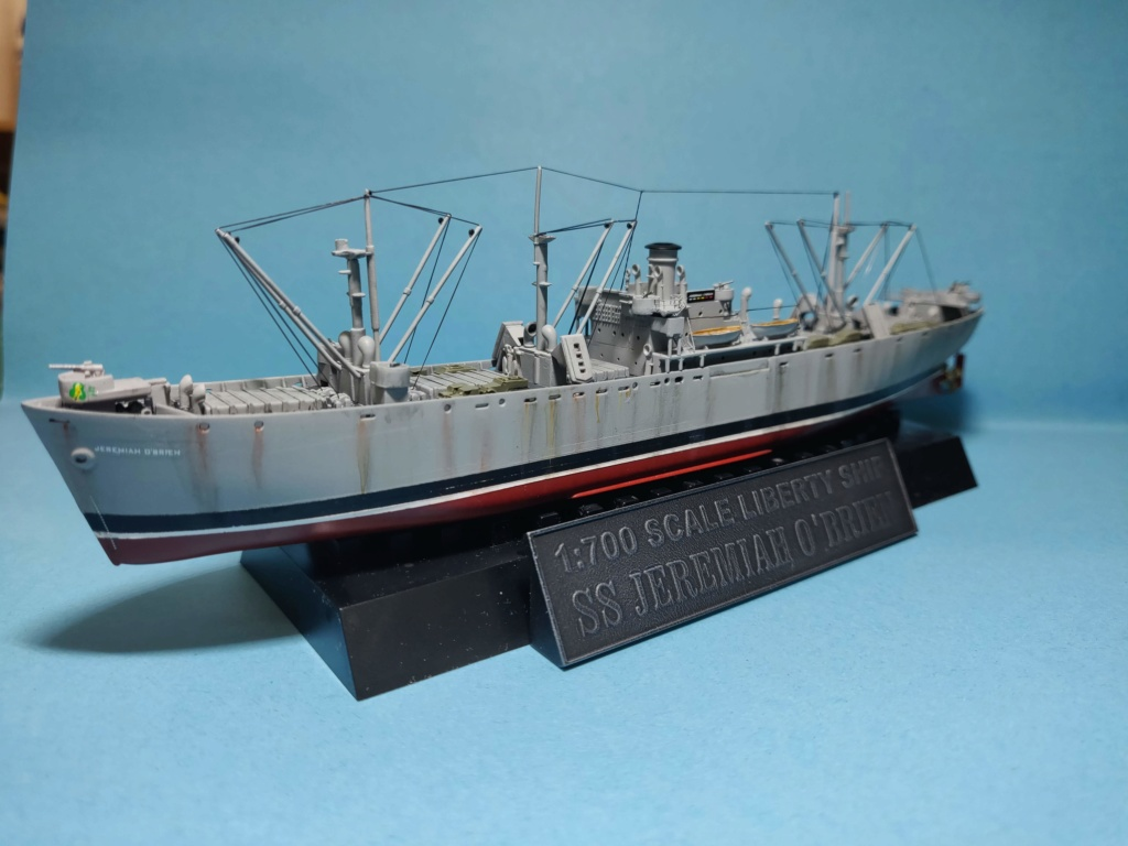 LIBERTY SHIP Jeremiah O'Brien 1/700 TRUMPETER Img_2033