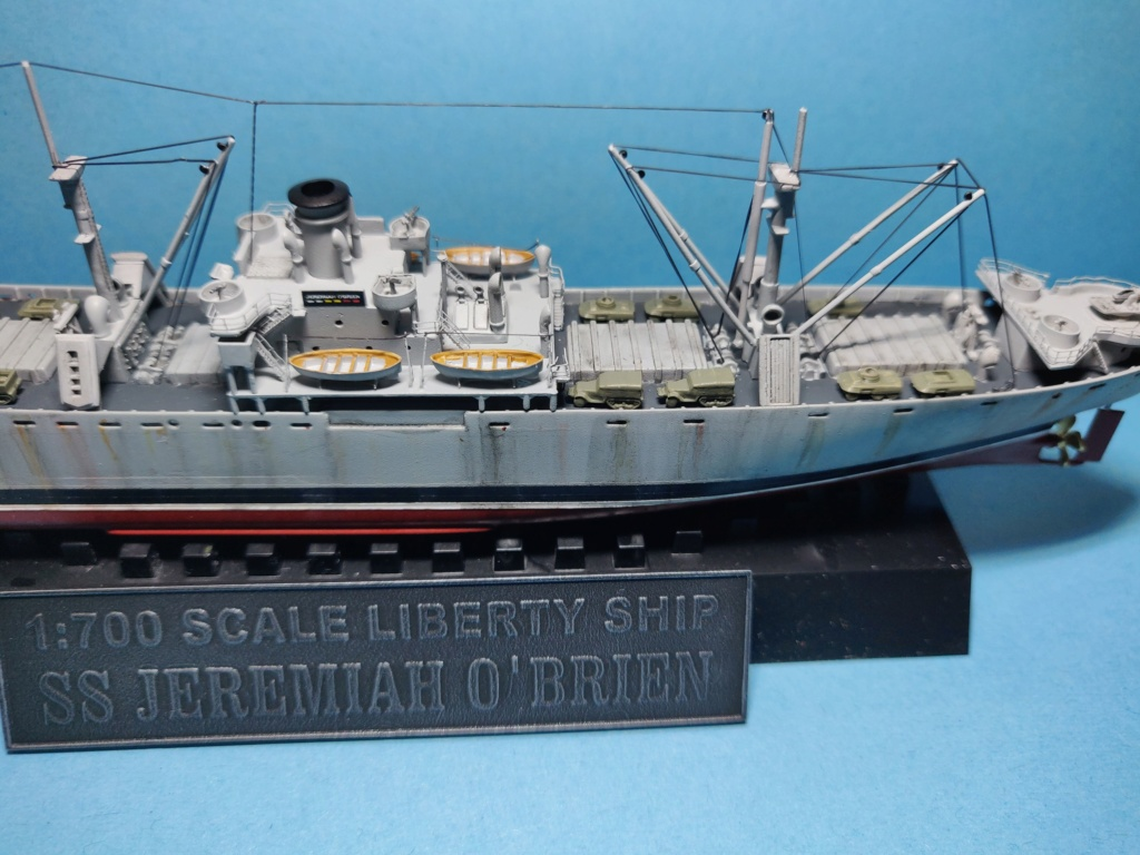 LIBERTY SHIP Jeremiah O'Brien 1/700 TRUMPETER Img_2036