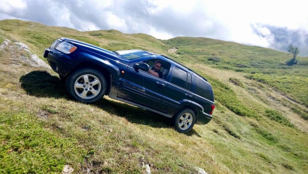 Nuovo arrivato in casa WM: Jeep Grand Cherokee WJ 4.7 V8 Overland HO 39216010