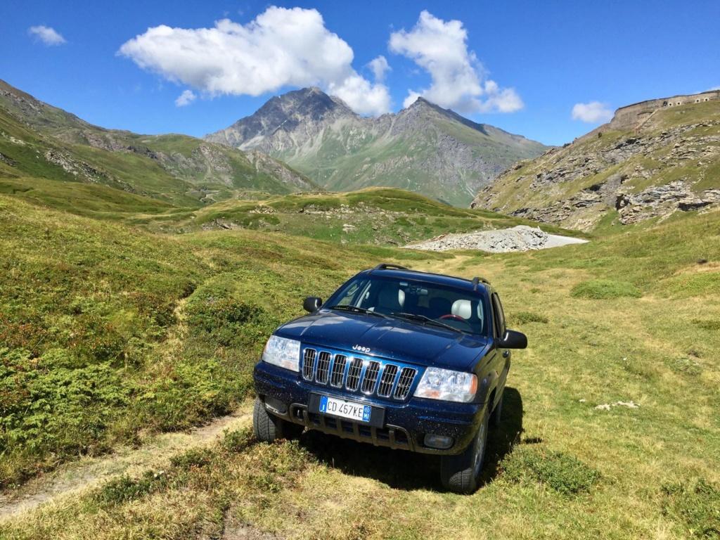 Nuovo arrivato in casa WM: Jeep Grand Cherokee WJ 4.7 V8 Overland HO 39221010