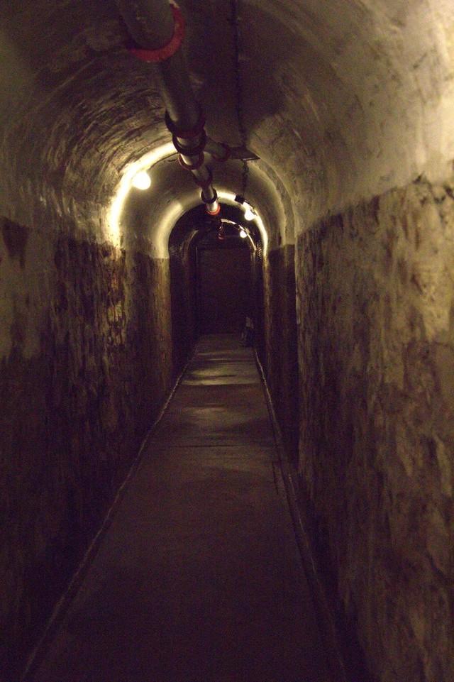 Festung Schoenenbourg. An der Maginot -Linie.  21a10