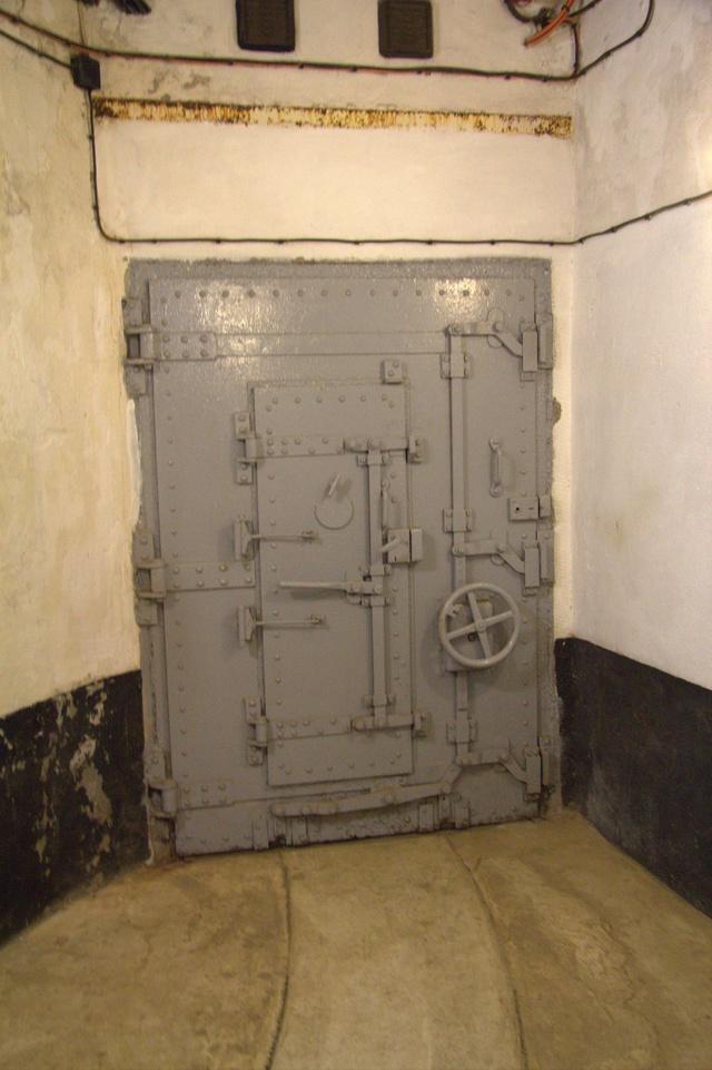 Festung Schoenenbourg. An der Maginot -Linie.  2a11