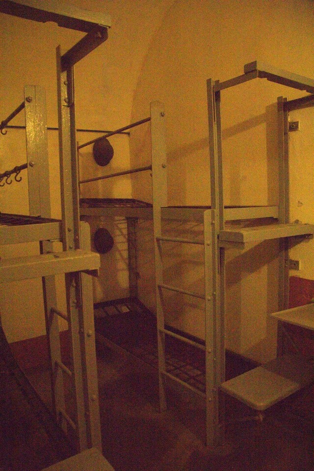Festung Schoenenbourg. An der Maginot -Linie.  6_210