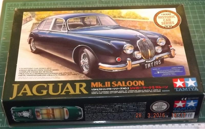 Jaguar Mk.II Saloon de Tamiya  Dscf1113