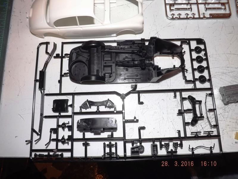 Jaguar Mk.II Saloon de Tamiya  Dscf1114