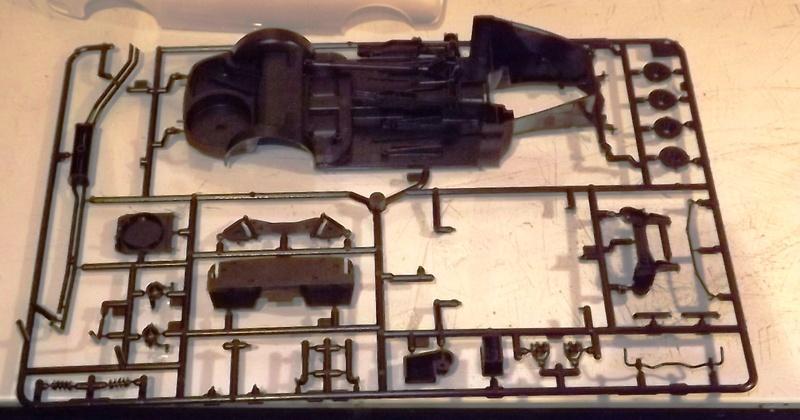 Jaguar Mk.II Saloon de Tamiya  Dscf1117