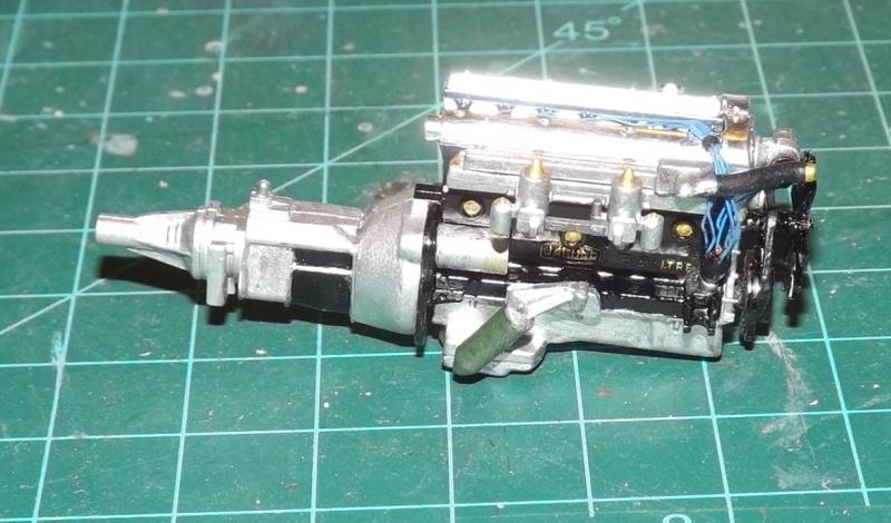 Jaguar Mk.II Saloon de Tamiya  Dscf1217