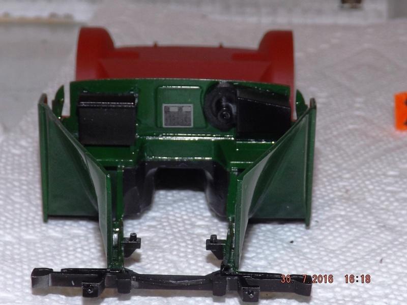 Jaguar Mk.II Saloon de Tamiya  Dscf3511