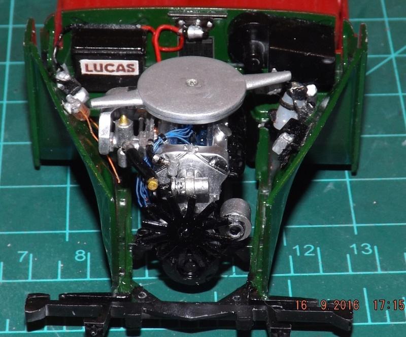 Jaguar Mk.II Saloon de Tamiya  Dscf4614