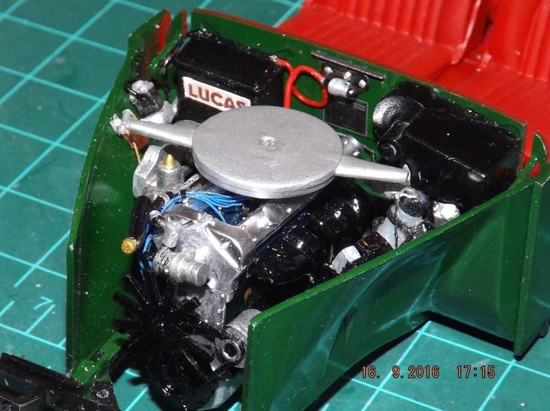Jaguar Mk.II Saloon de Tamiya  Dscf4615