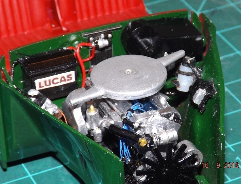 Jaguar Mk.II Saloon de Tamiya  Dscf4616