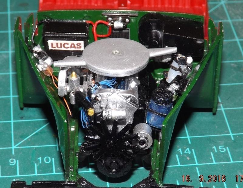 Jaguar Mk.II Saloon de Tamiya  Dscf4618