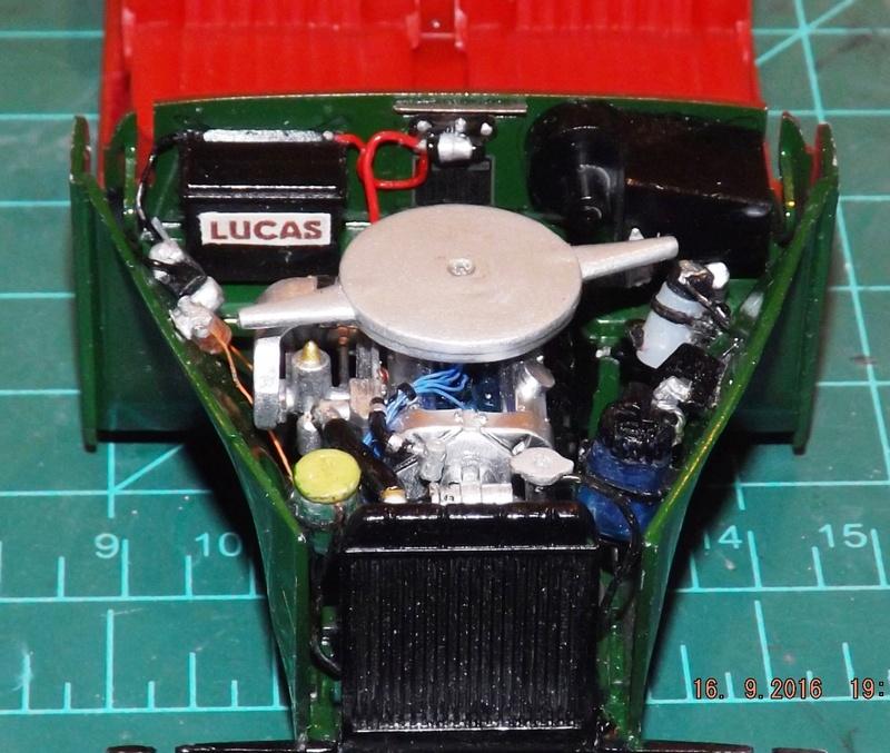 Jaguar Mk.II Saloon de Tamiya  Dscf4622