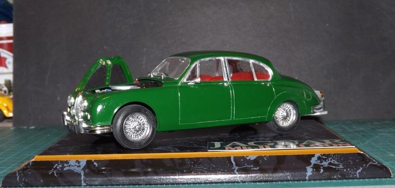 Jaguar Mk.II Saloon de Tamiya  Dscf5712