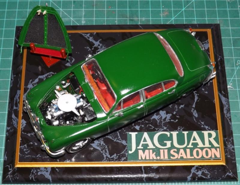 Jaguar Mk.II Saloon de Tamiya  Dscf5715