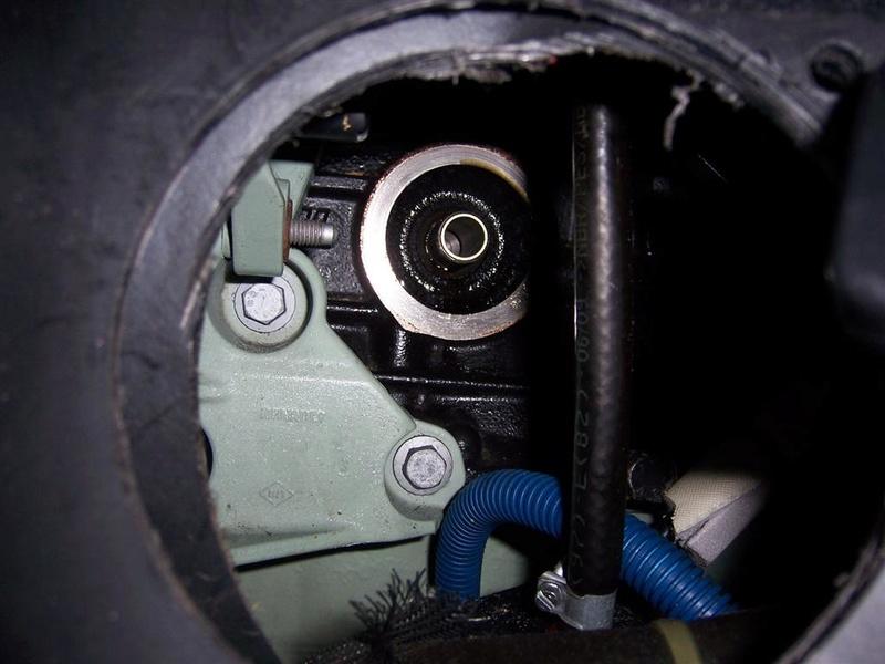 Trappe d'acces au filtre à huile 100_5412