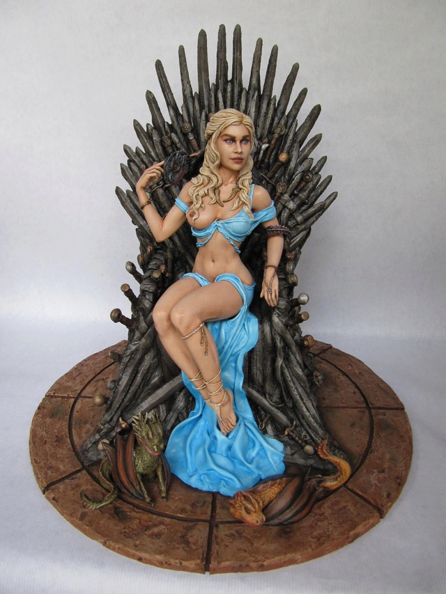 Game of Throne: Khaleesi 1/6. - Page 2 Khal112