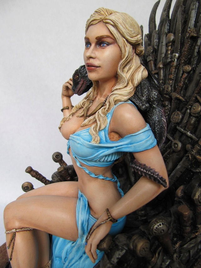 Game of Throne: Khaleesi 1/6. - Page 2 Khal1411