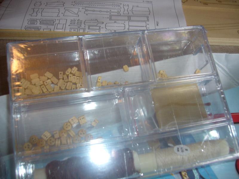 Présentation de la boite du Renard d'Artesamia Latina. 1:50° P1190837