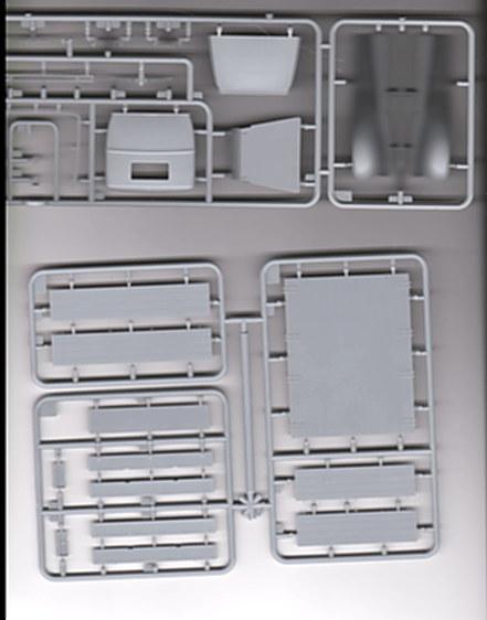 GAZ-AAA w/Shelter von MiniArt  M1:35 00810