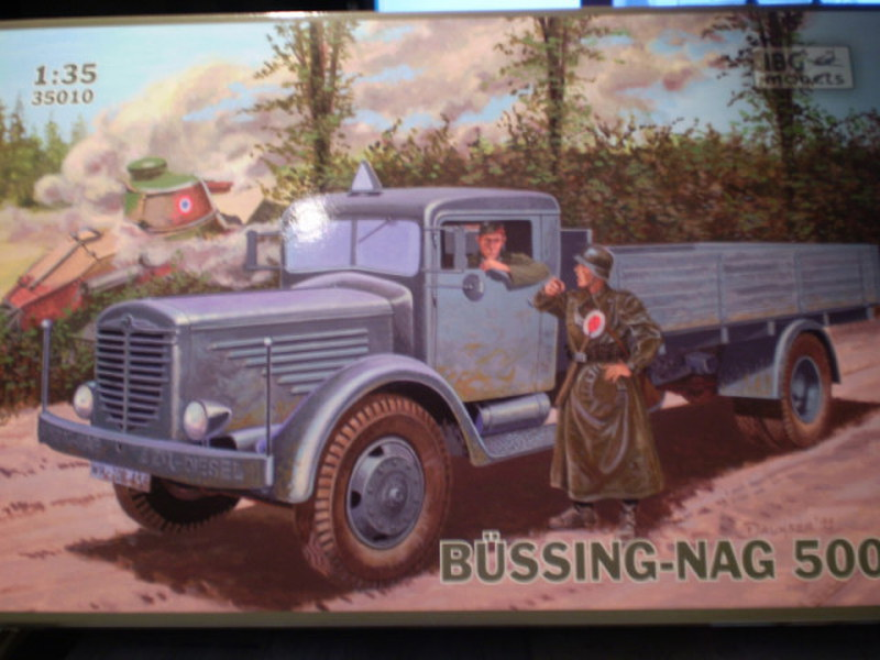 Hier kommt der Büssing-NAG 500 S mit 60 cm  Flakscheinwerfer 36 mit Sd.Ah.51   P1270010