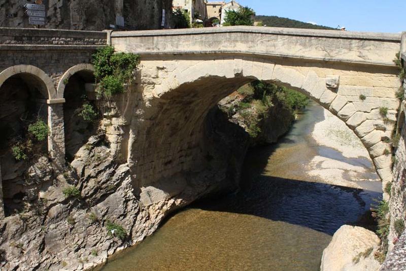 Ponts d' ailleurs Vaison10