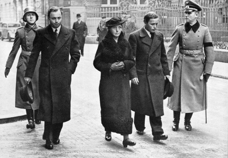 Brassard HJ de deuils ? 1937-110