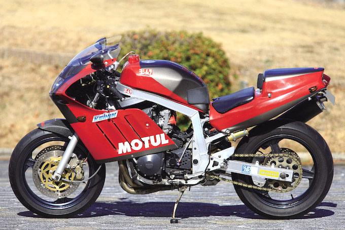 Suzuki GSX-R Slabside 750 (85-87) et 1100 (86-88) - Page 39 0110