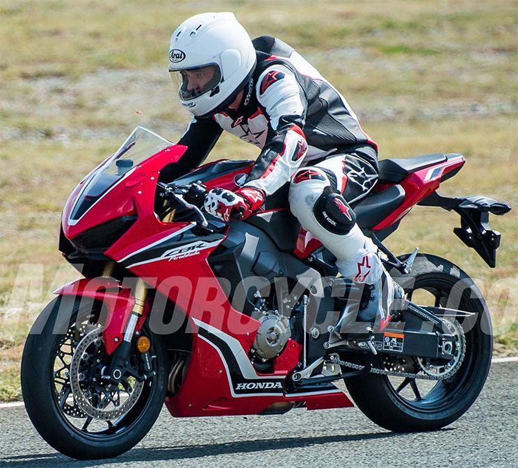 CBR 1000 2017  Honda-11