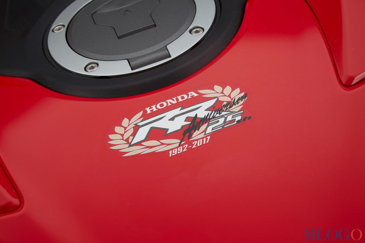 CBR 1000 2017  - Page 3 Honda-12