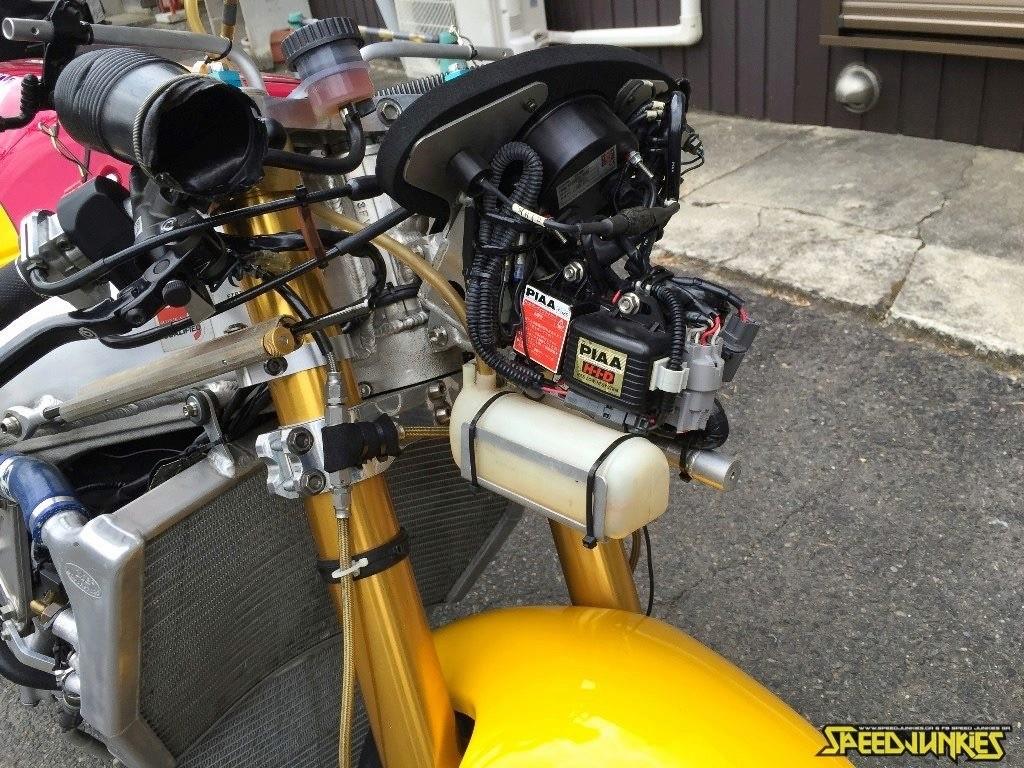 Yamaha FZR - Page 2 Image48