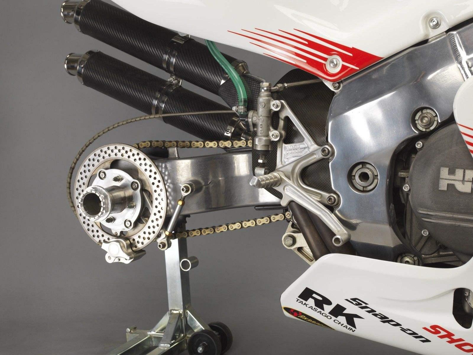 Honda RC 45 - Page 5 Image65