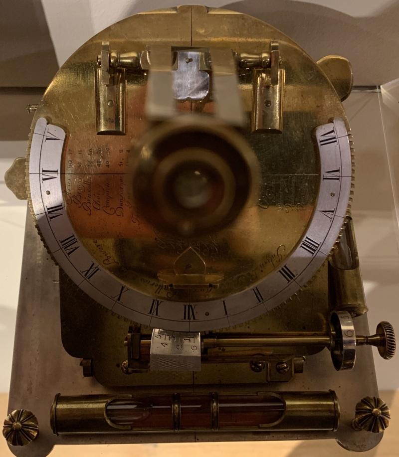 Latitudes et longitudes, les instruments de mesure du temps pour les voyages : chronomètre de marine, cadrans solaires et boussoles du XVIIIe siècle 31dc6910