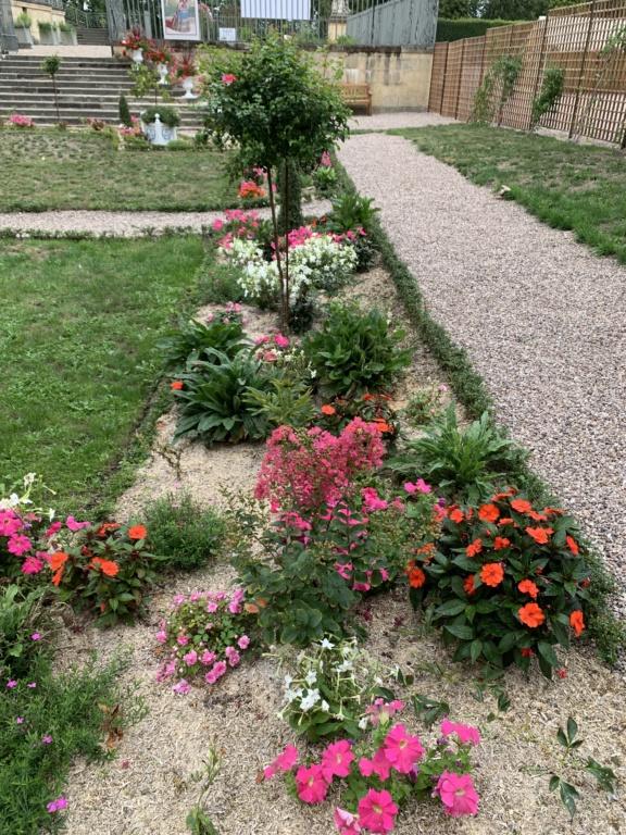 Restitution du jardin privé d'Elisabeth-Charlotte d'Orléans à Lunéville C2a5ed10