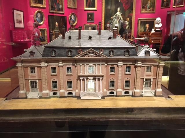 Catherine II  achète la bibliothèque de Voltaire Img_0438