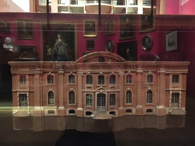 Catherine II  achète la bibliothèque de Voltaire Img_0439