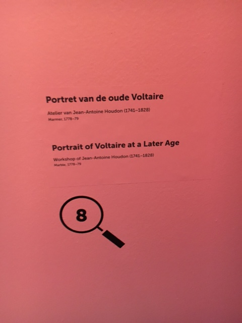 Catherine II  achète la bibliothèque de Voltaire Img_0519