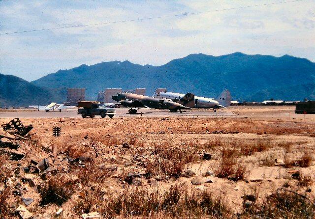 "C-47 Gunship Italeri ""Spooky"" - Page 5 Cqpi7h10"