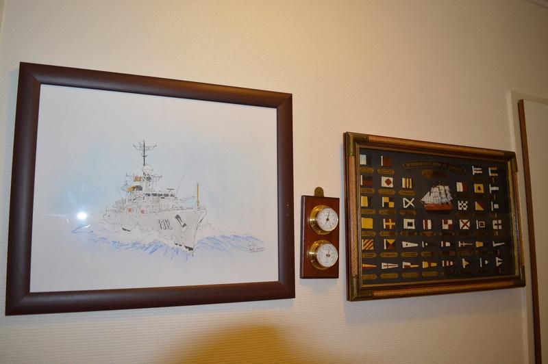 Comment conservez-vous les souvenirs de la Marine et autres? - Page 3 Dsc_0054