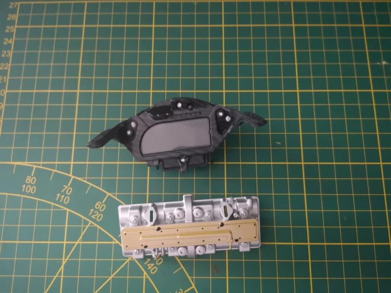 Construisez la moto YZR-M1 de Valentino Rossi en partenariat avec ALTAYA Img_2143