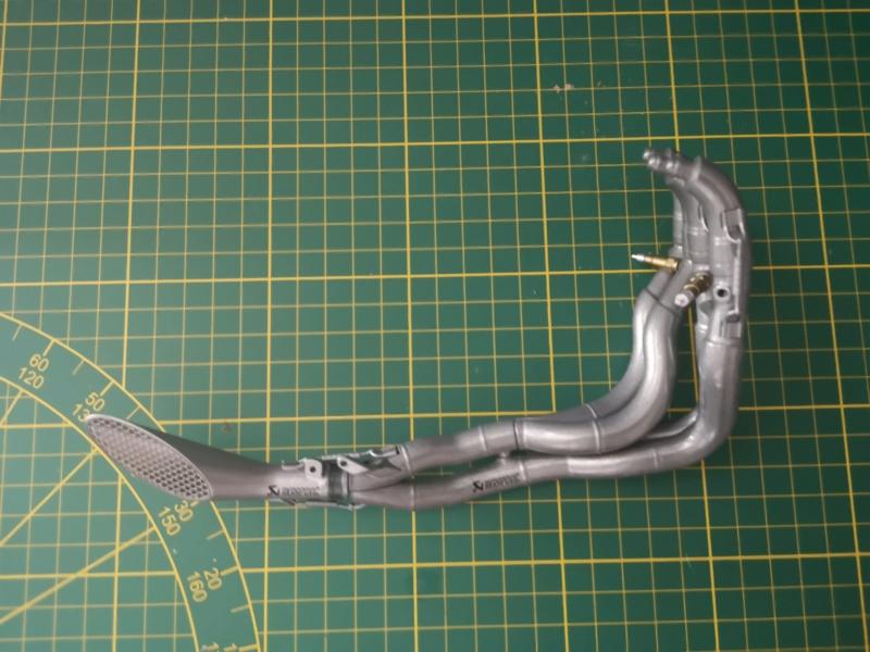 Construisez la moto YZR-M1 de Valentino Rossi en partenariat avec ALTAYA Img_2149