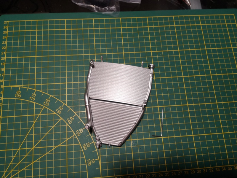 Construisez la moto YZR-M1 de Valentino Rossi en partenariat avec ALTAYA Img_2172