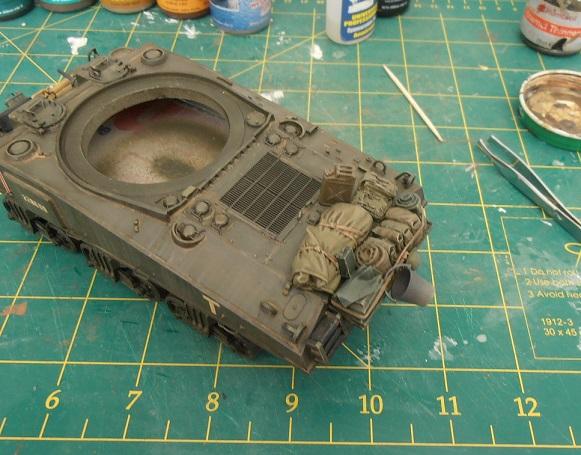 "Sherman Mk III mid prod "" Kiwi "" ( 1/35eme ) - Page 2 P9021410"