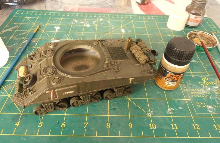 "Sherman Mk III mid prod "" Kiwi "" ( 1/35eme ) - Page 2 P9021411"