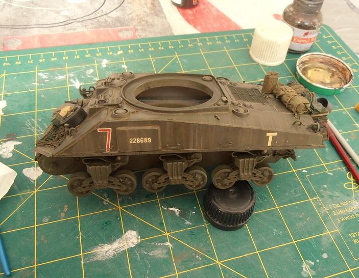"Sherman Mk III mid prod "" Kiwi "" ( 1/35eme ) - Page 2 P9021415"