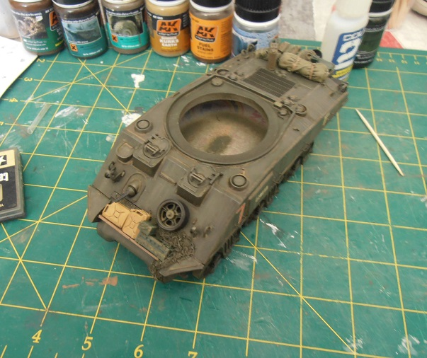 "Sherman Mk III mid prod "" Kiwi "" ( 1/35eme ) - Page 2 P9021416"